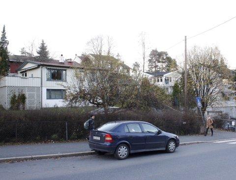 RIVES: Flere ene- og tomannsboliger mellom Sandstuveien og Libakkveien skal rives for å gi plass til blokker. Arkivfoto