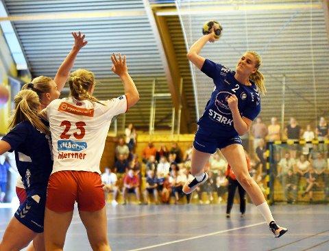 NYKOMMER 1: Janne Håvelsrud Eklo har planer om å banke inn mål fra distanse i Oppsal-trøya.