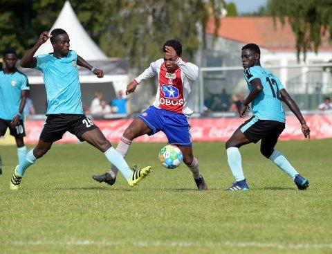 SCORET: Stefan Donkor-Leh utlignet til 2-2 på flott vis, men Kharis Academy ble for sterke.