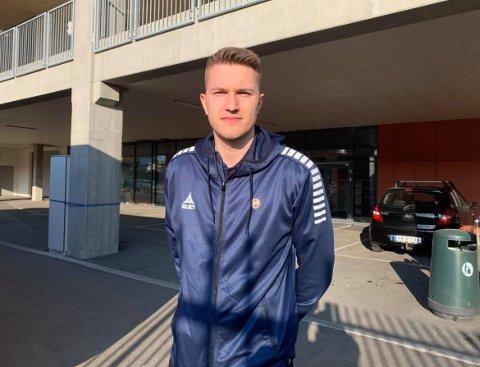 FØRSTE ANGREPSSPILLER: Jacob Karlstrøm og TIL følger trenden i internasjonal fotball hvor keepere deltar aktivt i det oppbyggende spillet. Det viste de tydelig frem i søndagens treningskamp mot Vålerenga.