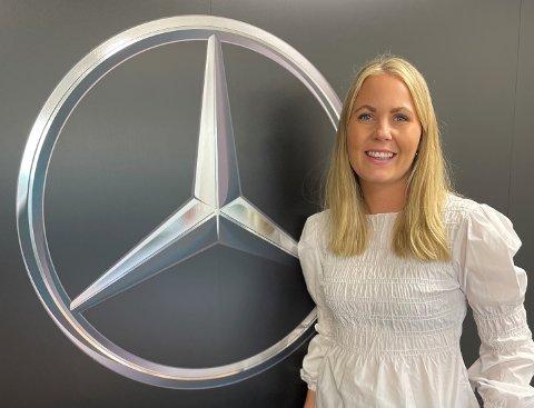 NY JOBB: Maren Gausen forteller om en spennende ny jobb som salgssjef hos Motor-Trade i Verdal. Selv om bilbransjen er mannsdominert, så jobber det både kvinner og menn hos her.  En sunn kombinasjon tror Gausen.