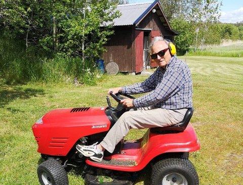 HJEMME I SVERIGE: Halvor Stormoen kaller det verken hytte eller sitt andre hjem, men bruker begrepet flerhushjem for å vise at de sidestiller eiendommen i Tanum med boligen på Kolbotn.