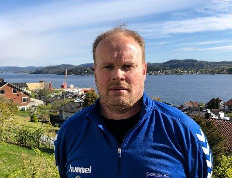 KRITISK: Kim Wold er kritisk til Bamble kommunes håndtering av åpning av idrettshaller.
