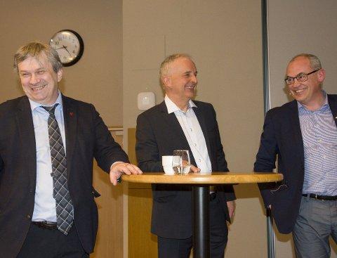 Godt humør: Ordfører Kjell B. Hansen, gründer Ola Tronrud og Terje Dahlen, utviklingsdirektør i AKA, gliser av utviklingsmulighetene i Ringeriksregionen.