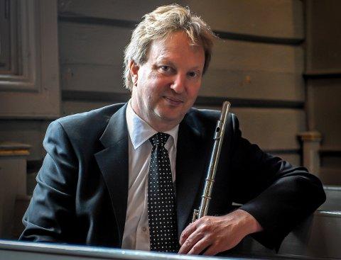 KLAR FOR KONSERT: Fløytist Jan Junker er blant de mange kulturaktørene som spiller i Sandefjord i helga.