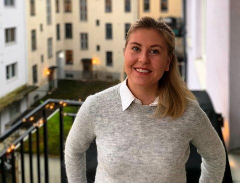 FØRST JOBBING, SÅ FLYTTING: Sandefjordingen Mari Liverød (26) bor på Bislett i Oslo, hvor hun trives godt. Men hun vil imidlertid flytte tilbake til Sandefjord etter hvert. – Jeg vil jobbe noen år i Oslo først, sier hun.