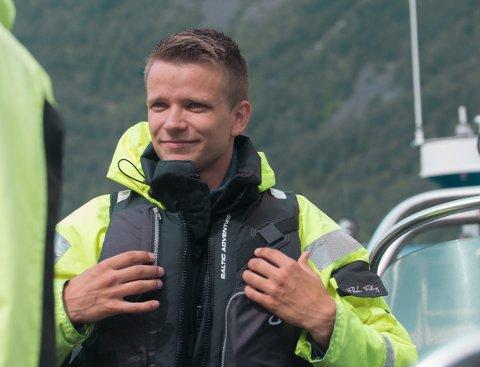 UTVIDAR: Karlis Bremers ynskjer å utvida sesongen for opplevingsverksemda si Adventure Tours Norway. Det gjer han med å kjøpa ein ny Rib-båt til halvanna million kroner, som er godt eigna også til vinterbruk.