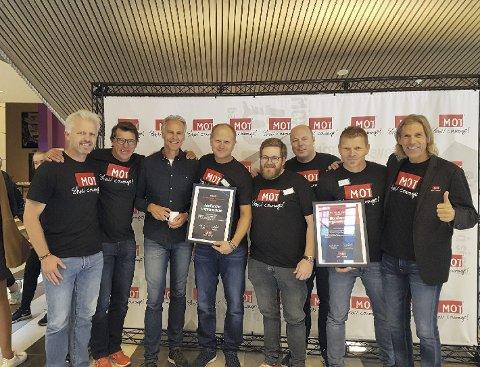 Vinnerne: Bjørn Enaasen (fra venstre) Johann Olav Koss, Rune Bratseth, Lars Helge Høvik, Thomas Knudtsen, Willy Tangen, Ola Bø Nyland og Atle Vårvik under prisutdelingen i Stjørdal.