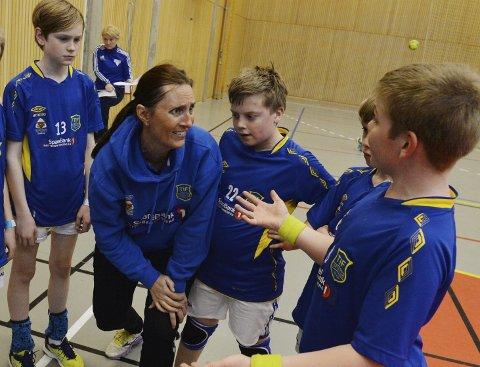 ENGASJERT: Håndball-veteran Elin Vasbø var en av flere med engasjerte innlegg i mandagens møte.