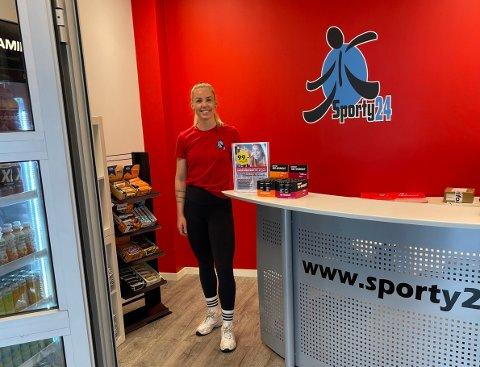 OVER ALL FORVENTNING: Kjedeleder Stine Nyjordet er veldig fornøyd med åpningen av Sporty24 på Sem.