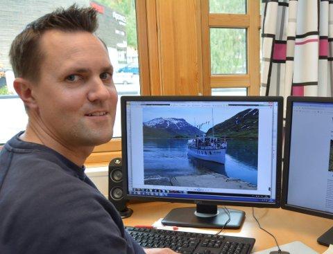 Fleire roller: Magnus Kvame i JVB leiar prosjektet med ny bryggje for M/B Bitihorn ved Torfinnsbu. Han er også kaptein på båten delar av sommaren.