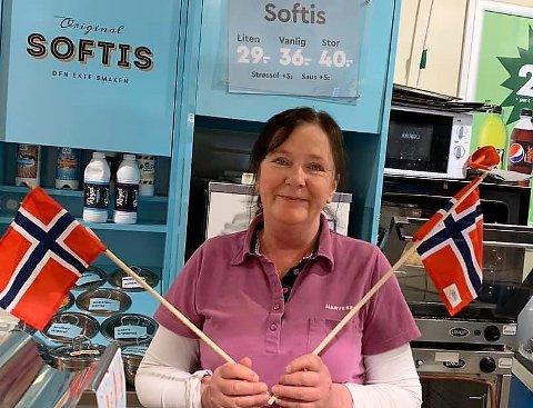 Åpent: Aud Irene Stavedal vil serve sultne bilførere og motorsyklister på nasjonaldagen søndag.