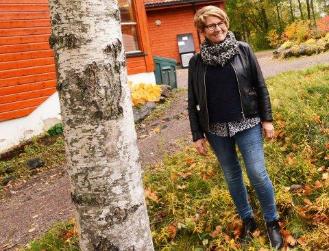 FORBEREDER JUBILEUM: Nittedal Kunstforening fyller 50 år i høst, og leder Unni Nordkild Skjønsberg håper de skal få arrangert høstutstillingen sin i september.