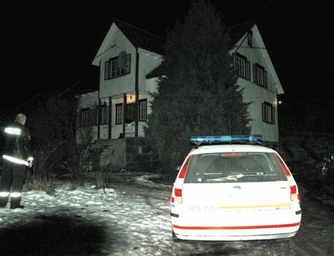 ÅSTED: Mannen var 25 år da han drepte sin venninne med kniv i et hus i Fjotland i Kvinesdal  i februar 2005. Elleve år tidligere hadde han knivstukken en mann på 48 år. Arkivfoto: Erik Thime