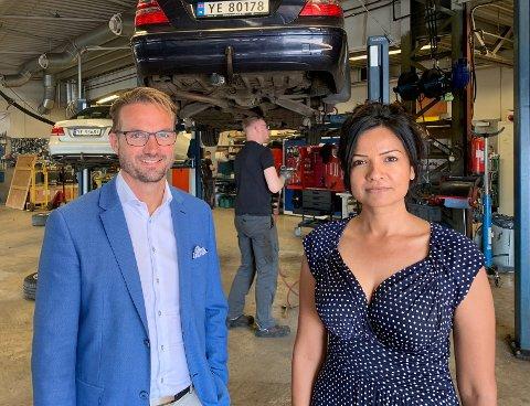 Nordic bil er inne i en omstillingsprosess. Her representert ved daglig leder, Espen Strømme, og markedsjef, Munazza Sahota.