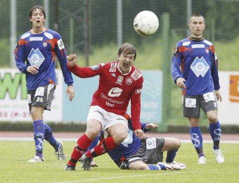 Trond Fredrik Ludvigsen var ingen suksess i Brann, men nå kan han bli årets trener i lokalfotballen.