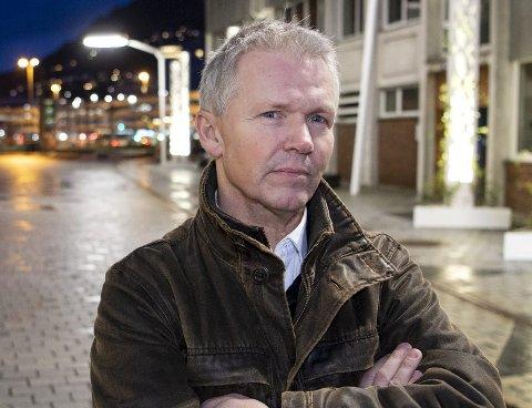 Alf Ove Fossdal mener Sparebanken Vest opptrådt unødvendig firkantet da de midlertidig sperret kontoen til hans 93-årige svigermor. Nå får han støtte fra Forbrukerrådet. FOTO: ANDERS KJØLEN