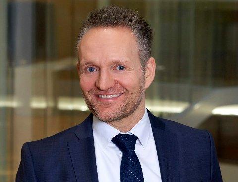 Jan Erik Kjerpeseth er til dagleg konsernsjef i Sparebanken Vest, men er oppvaksen i Bremanger.