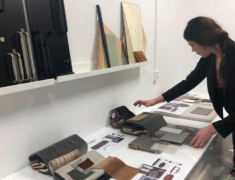 STORE PROSESSER: Elisabeth Gran Andersson har etablert seg på Værstetorvet på Kråkerøy. Her jobber de i prosesser med alt fra å utforme lokaler, til materialvalg, farger og innredning.