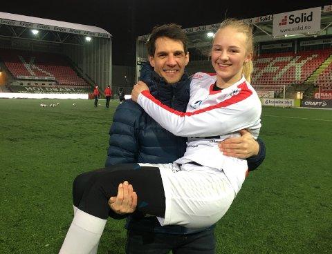 Pål Andrè Czwartek gleder seg til å se datteren Linnea spille for FFK.