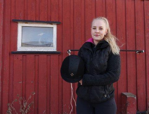 - Jeg er en ekstremt strukturert person som liker å ha orden. Dette er en egenskap som kommer godt med, sier Ingvild Blørstad Erikson (23) som er sjef ved Fredrikstad Ridesenter.
