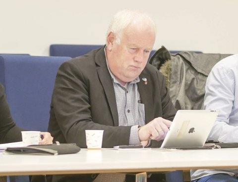 POSITIV: Paul Rosenmeyer beskriver sitt parti som positiv til havbruk. Han er likevel tydelig på at de vil vente til kartleggingen av Ofotfjorden er ferdig, før han vil ha noen bastante oppfatninger om hvor oppdrettsanlegg eventuelt kan etableres.