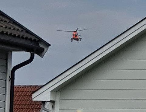 SØK: Flere politipatruljer og et Seaking-helikopter ble satt inn i letingen etter den savnede mannen.