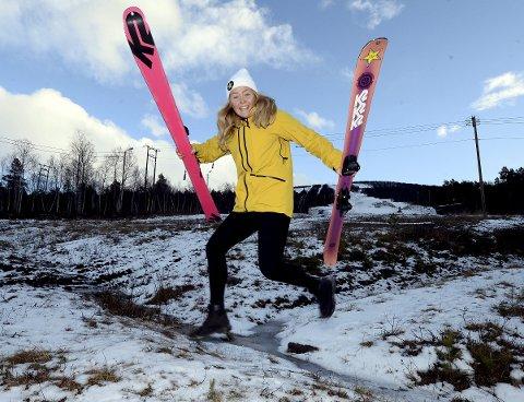 GLEDER SEG: Freeskikjører Johanne Killi, Dombås IL, gleder seg til vinteren og OL-sesong.  20-åringen vant gull under X Games i Hafjell sist vinter, og nå har hun ambisjoner om å kjempe om gullet i Pyeongchang i februar.