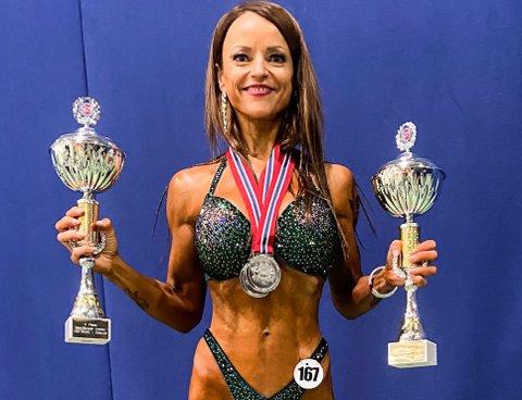Tone Elise Olstad hentet to sølvmedaljer i helgas NM i bikinifitness.