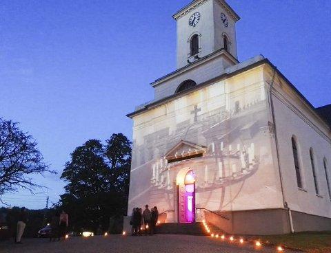 Immanuels kirke: – Der jeg trodde at kirken skulle kunne være et samlende sted for alle som lider. Så finner jeg kirkedørene lukket og låst. Hvorfor?, spør Sverre Stang i sin Signert.ARkivfoto
