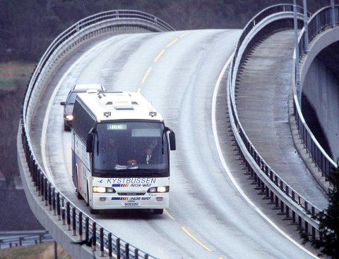 FLERE AVGANGER: Fra og med 18. mai øker tallet på avganger  på Kystbussen. Nå blir det 114 per uke, som er andre steget på en gradvis gjenåpning.