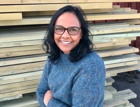 GRÜNDER: Anjali Bhatnagar fra Oslo, hadde en idé som resulterte i at innbyggere på Haugalandet kunne kjøpe byggevarer svært billig.