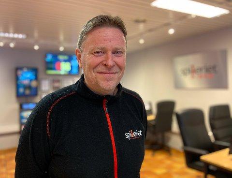 DRIVER:  Knut Høyvik er driver av Spilleriet i Haugesund. Han er glad for å at de får åpne dørene igjen.