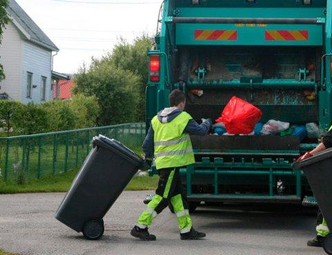 SØPPELET BLIR HENTET: Det er viktig at søppelet du kaster i søppeldunken er tette. Gjør du ikke det, blir ikke avfallet hentet.