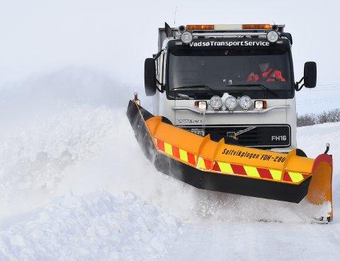 NY KONTRAKT: Det er Presis vegdrift som skal brøyte riksveien i Vest-Finnmark.