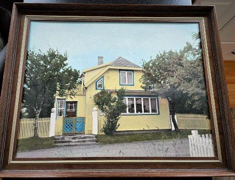 """Jordmor Astrid Killingland kjøpte eiendommen i Åsgata 16 i 1919. Her satte hun opp tømmerhuset """"Soria Moria"""". Eiendommen i dag eies av Siv Rosenvinge."""