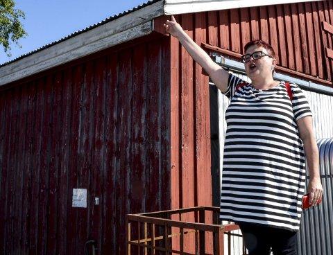 Sjefen: Ellen Schulze har hatt ansvaret for de historiske vandringene i Kragerø. Her påkaller hun oppmerksomhet.