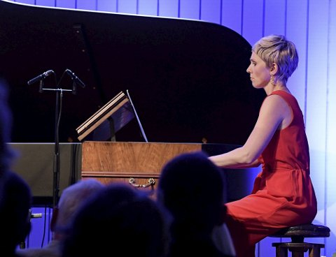 Harmonium: Ingrid Andsnes i aksjon under opningskonserten torsdag. foto: festivalfotograf liv øvland