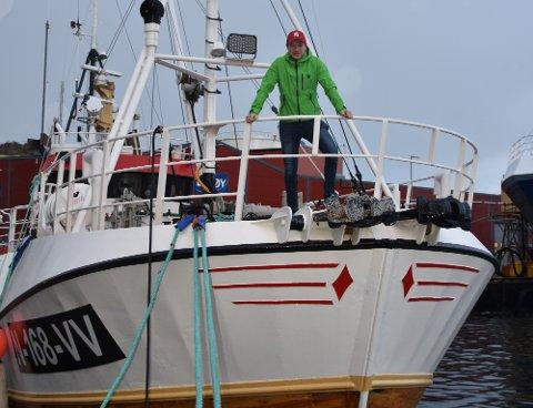 FORNØYD: Stpehan Solhaug er godt fornøyd med både båt og fangst etter første sjyværet med den nye båten.