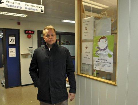 SJOKKERT: Sindre Pettersen Johansen følte seg bryskt avvist og dårlig behandlet på legevakten i Hammerfest. – Jeg ble totalt neglisjert, sier han. Foto: Svein Jørstad