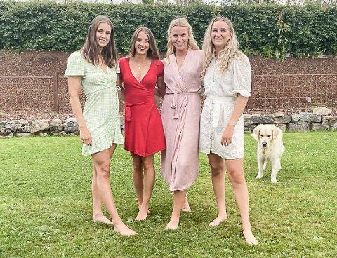 VENNINNER: Det ble tid til flere treff med venninner under ferien hjemme i Gjøvik; fra venstre Synne Fossheim, Telma Eid, Mari Finstad Bergum og Nora Owren.