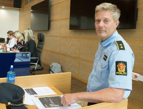 I FORMANNSKAPET: Politikontakt Fredrik Lykken orienterte politikere i formannskapet om hets og hatefulle ytringer.