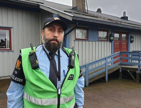FUNNET: Innsatsleder Ole Juelsen bekrefter at kvinnen som det har blitt søkt etter i morgentimene fredag 23. oktober, er funnet.