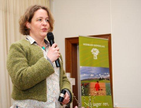 NY LEDER: Elisabeth Gjems (46) fra Haugedalen i Åmot er ny leder i Hedmark Bondelag.