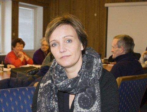 Kommunalsjef helse og omsorg i Ringerike kommune, Christine Myhre Bråthen, er forundret over at så få pårørende og hjemmeboende deltok i undersøkelsen.