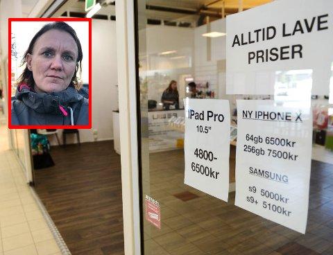 STENGT: Mette Edvardsen (41) kjøpte to mobiler for 15.000 kroner i høstferien. Hun har enda ikke mottatt telefonene. FOTO: Einar Almehagen/privat