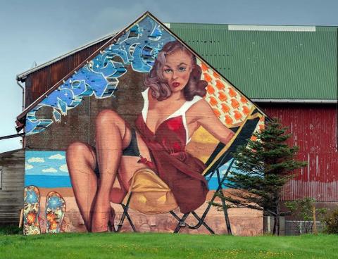 LITT NEDSKALERT: Galleri ER er svært stolt av å kunne ønske streetart-kunstneren Eric Ness Christiansen velkommen til Sandefjord. Dette er et eksempel på hans arbeider. Ikke alle kunstverkene til Christiansen får plass i galleriet i Kongens gate.  FOTO: Privat
