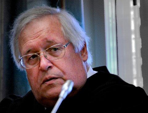 Høyesterettsadvokat Thorer Ytterbøl mener det ikke er skjellig grunn til mistanke mot hans klient, og krevde at han må løslates.