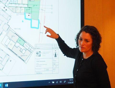 FLEIRE PLASSAR: Anette Stegegjerdet Norberg og Arbeiderpartiet ynskjer 24 plassar nye plassar i Gaupne barnehage. Her forklarar ho korleis dei ser føre seg å gjera det.