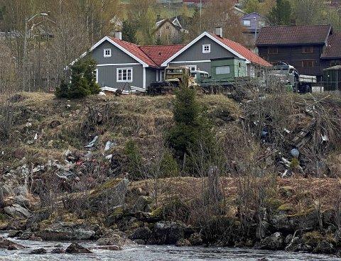 MÅ SAMLES: Annette Fagerberg irriterte seg grønn på at det var så mye søppel da hun gikk tur i Øyan i Austbygde. Nå vil hun at det ryddes opp, og tilbyr seg å samle bygda for å få det til.